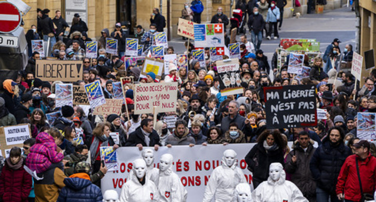 Manifestants non-masqués : la police enquête