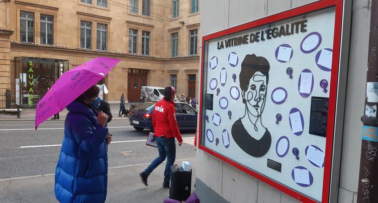 Journée des femmes : revendications exposées en vitrine