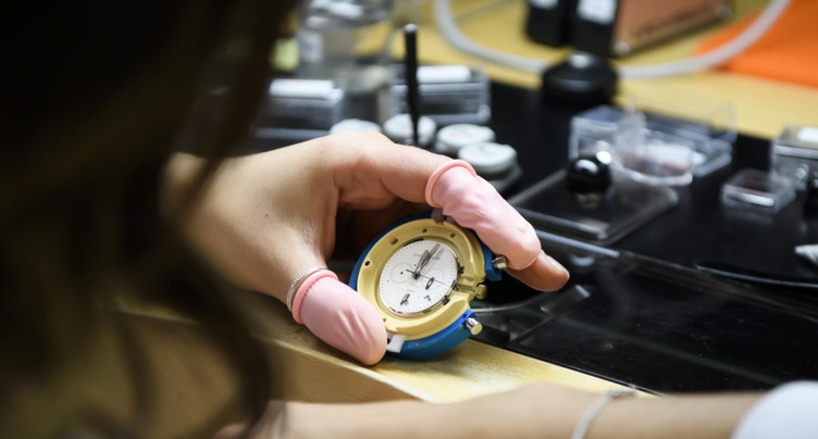 Les montres de luxe résistent aux vagues