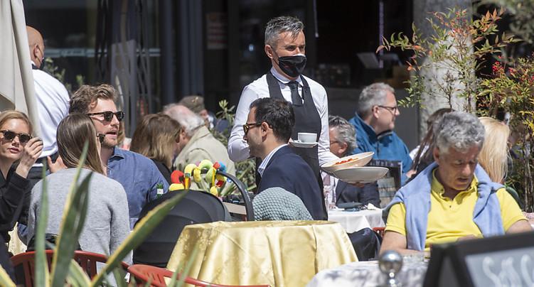 Les restaurants n'ouvriront pas avant le 26 mai