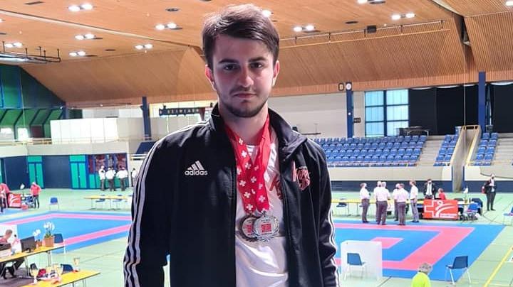 Deux médailles nationales pour Arben Pjetraj