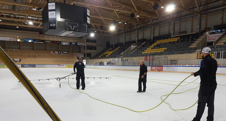 La Raiffeisen Arena mise en glace