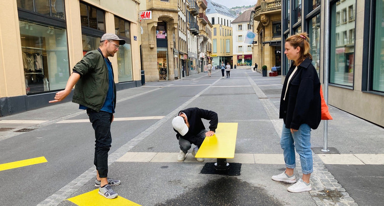 Les bancs pivotants sont arrivés à Neuchâtel