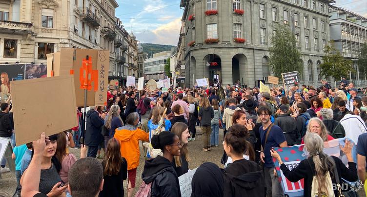 Manifestation contre le pass Covid à Bienne