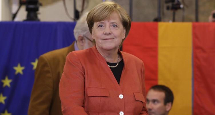 Le monde en cause: Angela Merkel sur le départ
