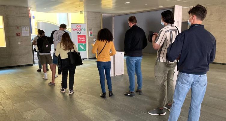Coup d'envoi de la vaccination à l'Université de Neuchâtel