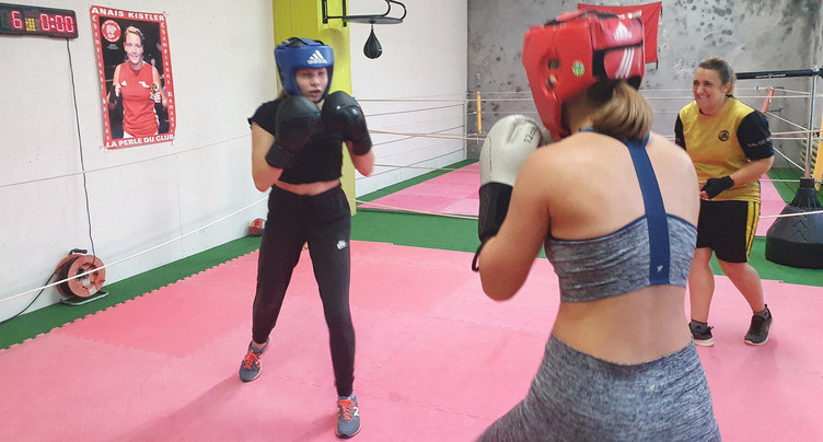 « Je m'entraine avec » des jeunes boxeurs