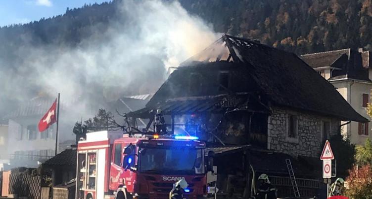 Incendie à Chézard-Saint-Martin