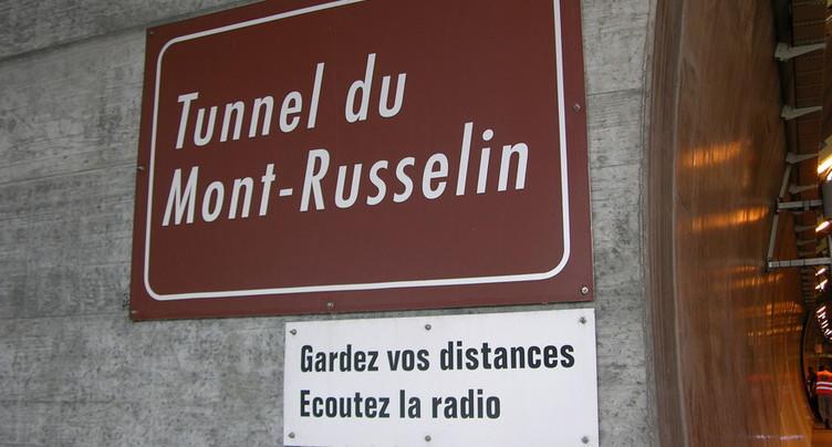 Un frottement automobile dans le Mont-Russelin