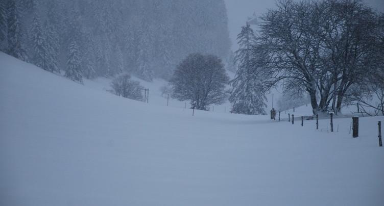 Un homme bloqué dans le blizzard