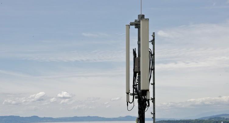 Recours irrecevable contre une antenne de téléphonie à Courtételle