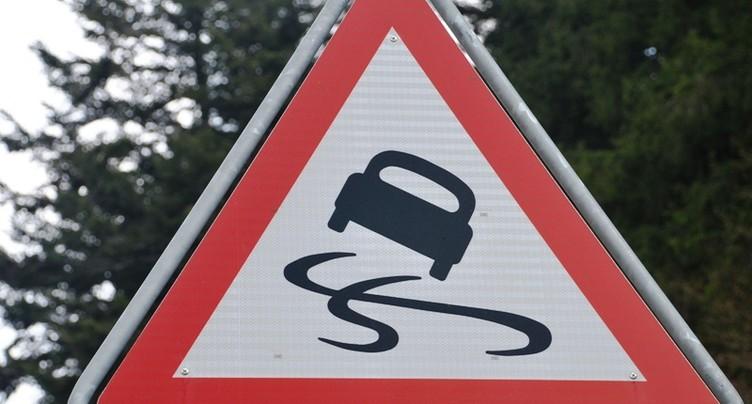 La route du Cernil fermée à cause de congères
