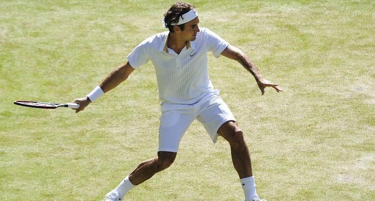 Roger Federer se balade au 2e tour du tournoi de Wimbledon