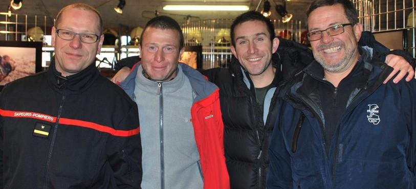 Les quatre pompiers-photographes.