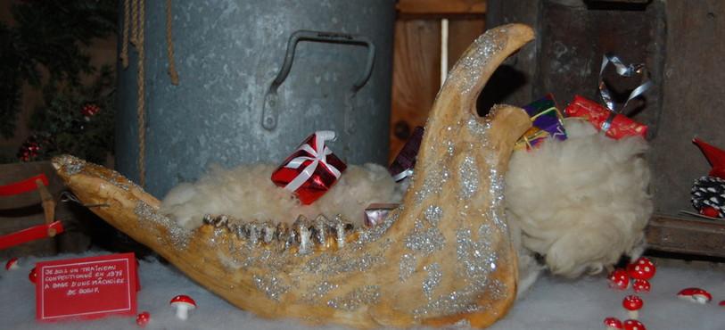 Le traineau du Père Noël fait avec une mâchoire de bœuf !