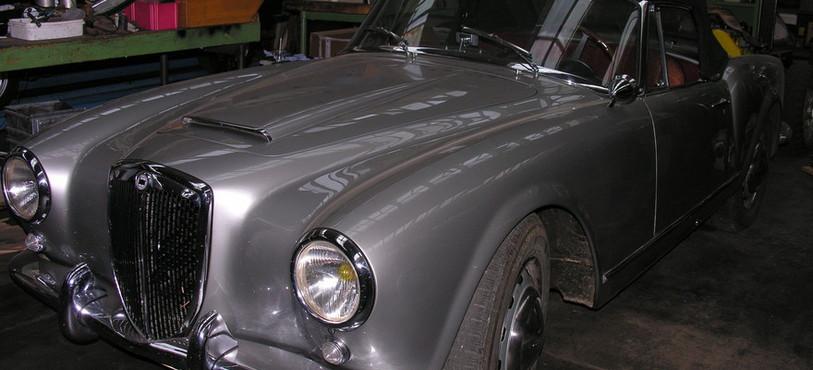 Une des voitures de marque Lancia restaurées par Albert Caillier.