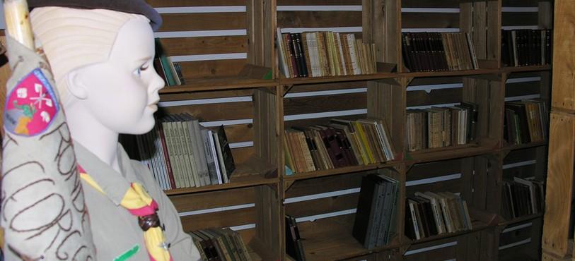 L'entrée de la bibliothèque, à Buttes.