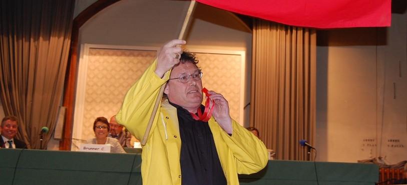 Le POP du Val-de-Travers a rendu un hommage humoristique à Jean-Nat Karakash.