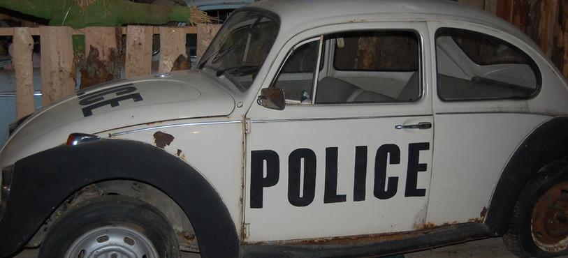 Voiture de police d'époque.