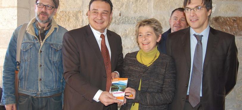 Les partenaires franco-suisses fiers du nouveau guide.