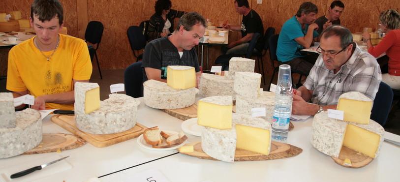 Dégustation des fromages entreposés dans les Fours à Chaux