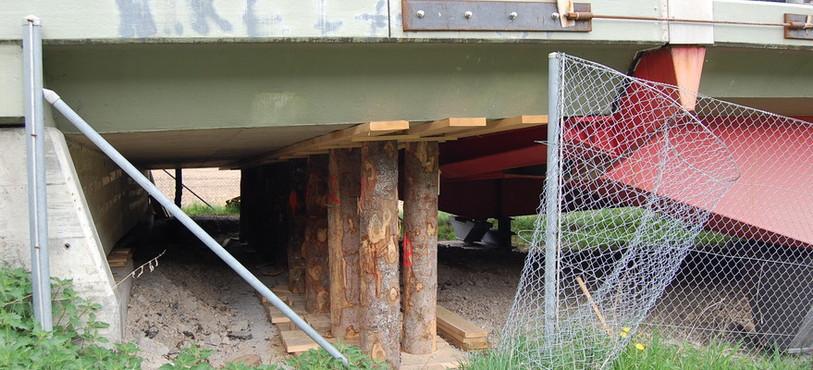 Le viaduc du Crêt-de-l'Anneau a été étayé par sécurité.