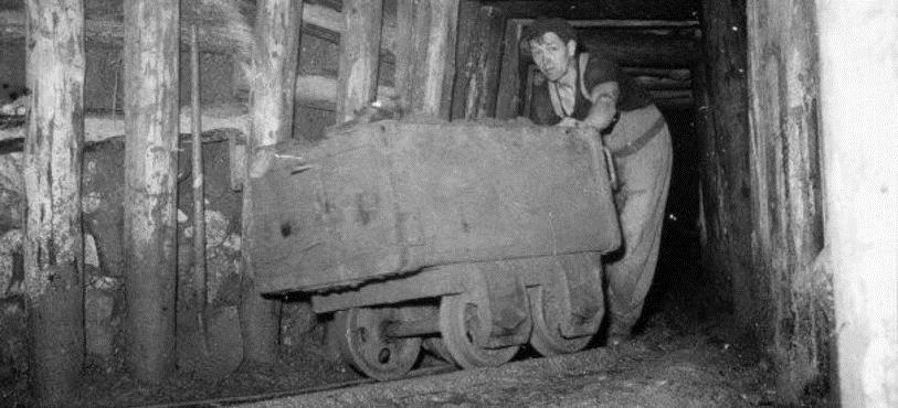 Tête du puits de mine