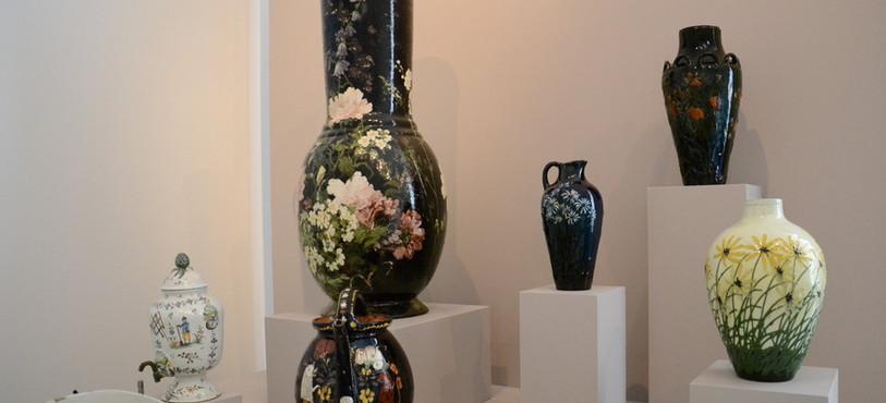 """Quelques pièces de l'exposition """"Magasin de porcelaine"""""""