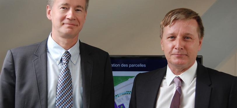 Tuomo Pätsi, vice-président et Michael Morrissey, vice-président des opérations techniques internationales de Celgene.
