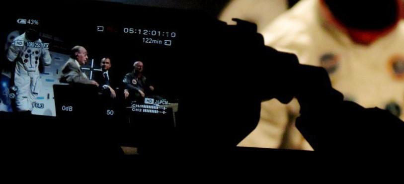 Les conférenciers dans le viseur de la caméra