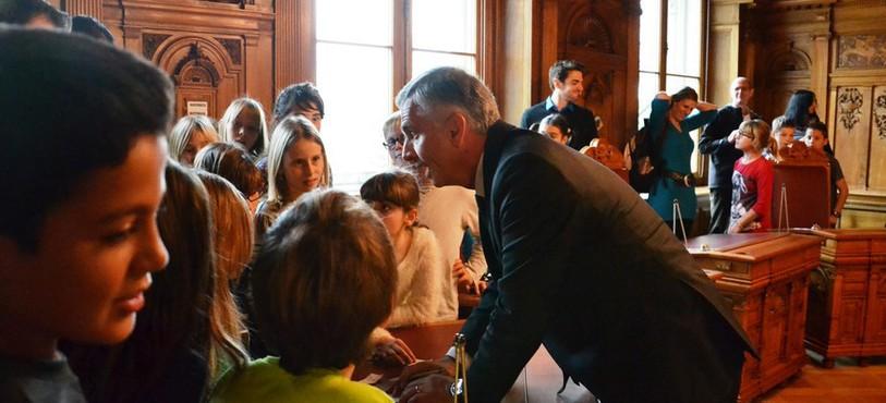 Les jeunes ont pu dialoguer avec Didier Burkhalter dans la salle du Conseil fédéral.