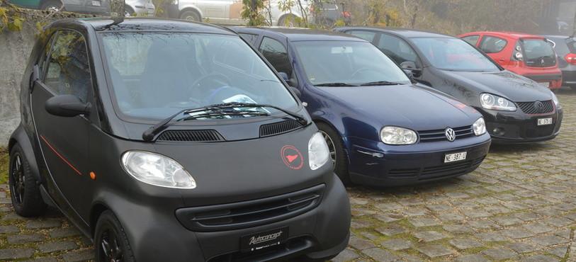 Trois voitures remises en état par Patrice Viatte.