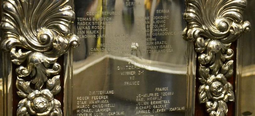 La plaquette commémorant la victoire de la Suisse face à la France