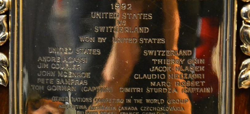 La plaquette commémorant la défaite de la Suisse face aux Etats-Unis en 1992
