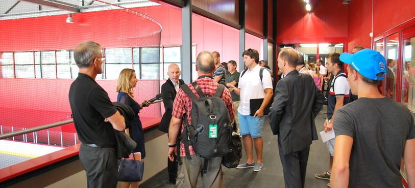 De nombreux journalistes et invités ont assisté à cette remise