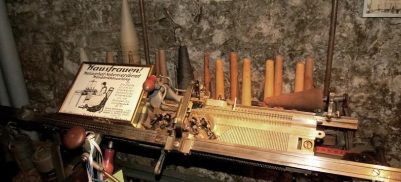 Machine à tricoter DUBIED