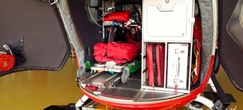 A l'arrière de l'hélicoptère EC-145