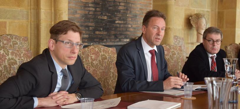 Nicolas de Weck, Alain Ribaux et Pierre Aubert ont présenté le projet du Nouvel Hôtel Judiciaire.