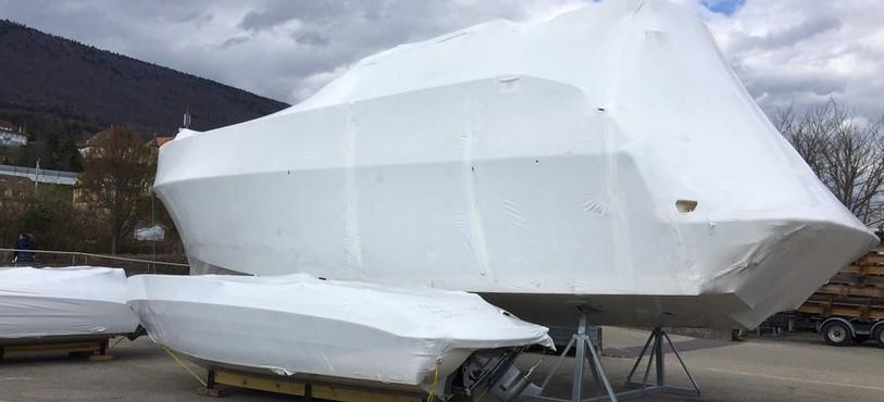 Le chantier naval d'Hauterive attire de nombreux yachts de luxe avant leur mise à l'eau sur les lacs de la région ou de Suisse.