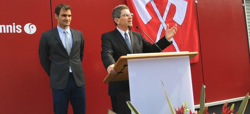 Roger Federer était à Bienne pour inaugurer l'allée qui porte son nom, près du centre de formation de Swiss Tennis.