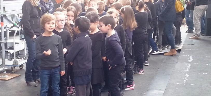 Les enfants en coulisses au SMAC Festival