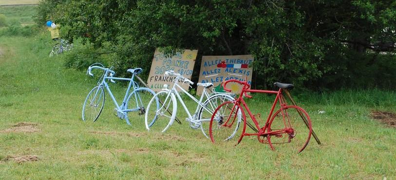 Décoration pour le Tour de France (La Cluse-et-Mijoux)