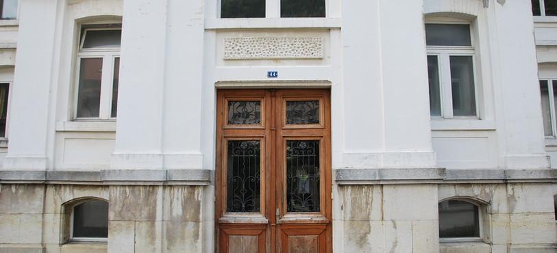 Le bâtiment de la rue de la Clef 42/44 qui devrait accueillir le Ceff Santé-Social à St-Imier