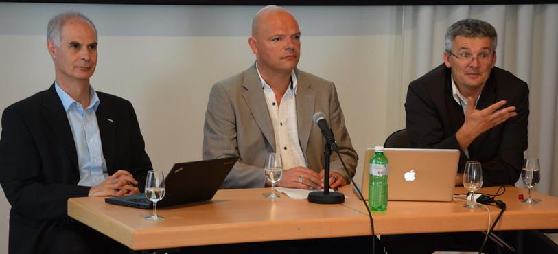 De g. à dr., Mario El-Khoury (dir. gén. CSEM), Olivier Arni (cons. comm. ville de Neuchâtel) et Alexandre Coquoz (dir. Innobridge).