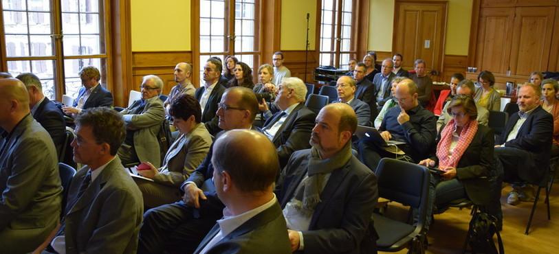 Le colloque a réuni des syndics, des chargés d'urbanisme et des représentants d'associations commerçantes.
