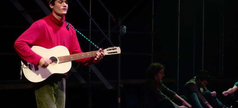 Abélard à la guitare