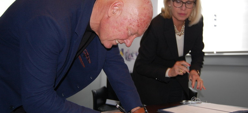 Signature du partenariat avec l'Institut des métiers d'excellence.