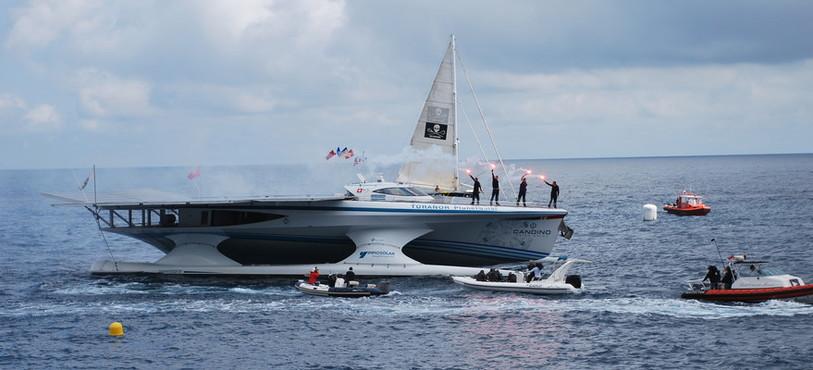 PlanetSolar dans la baie de Monaco