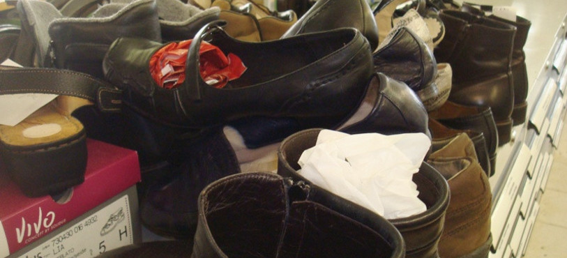 Les souliers réalisés par l'artisan.