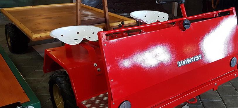 Musée agricole Grandfontaine, tracteur plateau Bucher